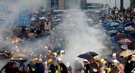 מפגינים בהונג קונג, צילום: רויטרס