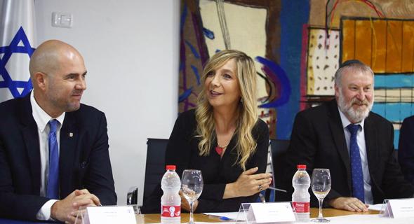 פלמור עם שר המשפטים אמיר אוחנה והיועץ המשפטי לממשלה אביחי מנדלבליט, צילום: אוהד צויגנברג