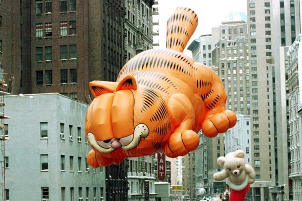 גארפילד במצעד חג ההודייה בניו יורק, צילום: AP