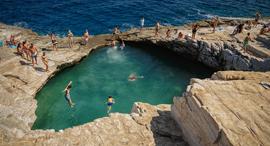 פוטו בריכות טבעיות ליד ים יוון THASSOS circa, צילום: שאטרסטוק