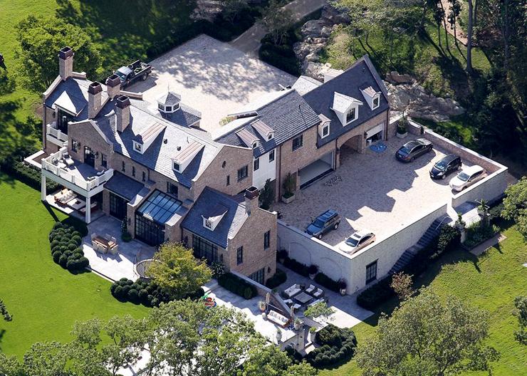 מבט אווירי על האחוזה, צילום: Patriot Pics