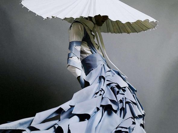 שמלה בעיצוב אלסנדו טריקונה