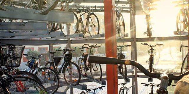 """מגדל אופניים זירת הנדל""""ן, צילום: BIKETOWER"""