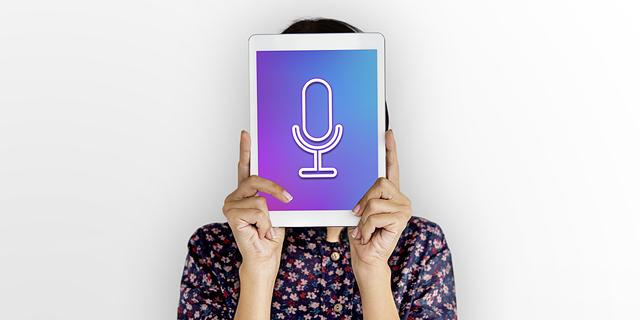 """האזנות הסתר דרך שירותים מקוונים: מחוקקים בארה""""ב זועמים על ענקיות ההייטק"""