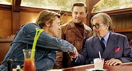 מימין אל פצ'ינו לאונרדו דיקפריו ו בראד פיט מתוך הסרט היו זמנים בהוליווד פנאי, צילום: Sony Pictures Releasing Switzerland GmbH