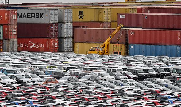מכוניות בנמל בגרמניה. לא נהפוך למשק אוטרקי