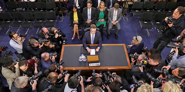 מוסף שבועי 22.8.19 תקציר מנהלים מארק צוקרברג מעיד בפני ועדת המשנה של הסנאט באפריל אשתקד, צילום: איי פי