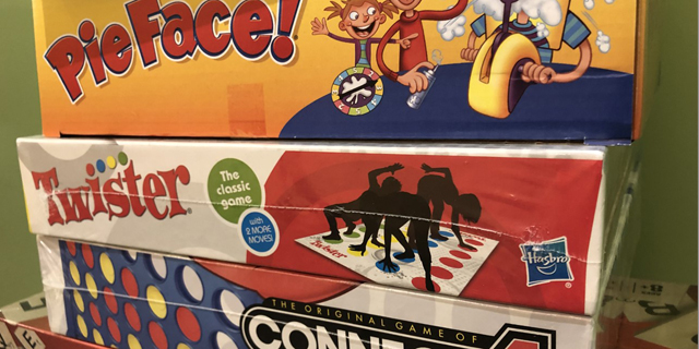 משחקים עטופים פלסטיק של הסברו , צילום: wivb.com