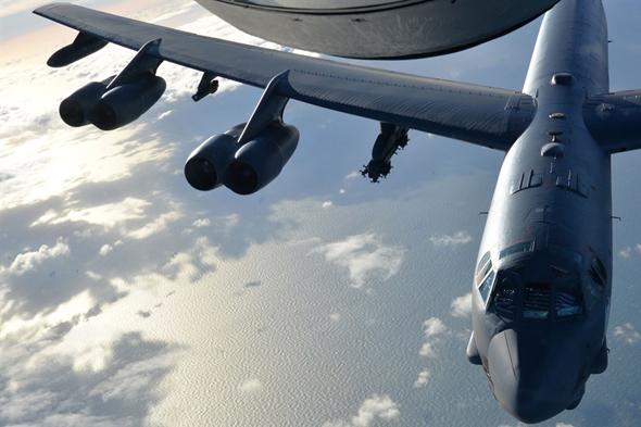 מפציץ כבד מדגם B52, או הרקולס שהלך לאיבוד? , צילום: USAF