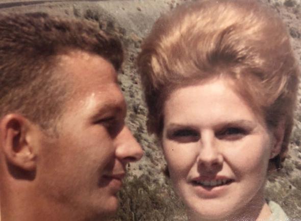 מאייר ואשתו , צילום: BBC