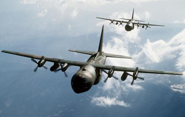 מטוסי הרקולס באוויר, צילום: גטי אימג