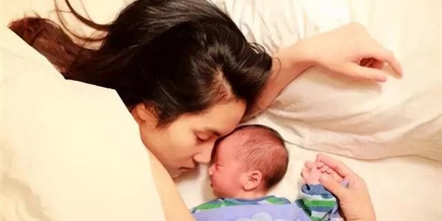 אשה אמא סינית תינוק לידה סין אופיר דור, צילום: Waibo