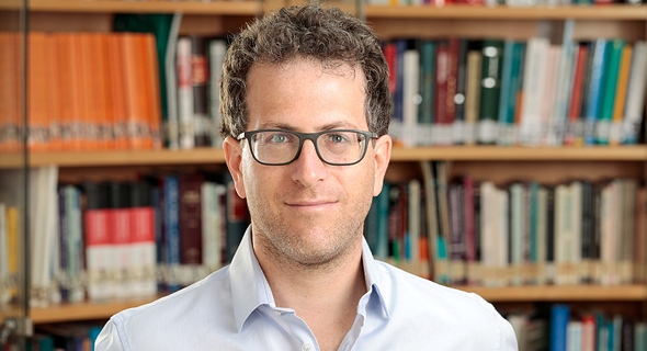 "ד""ר אסף שפירא, צילום: איל גרנית"