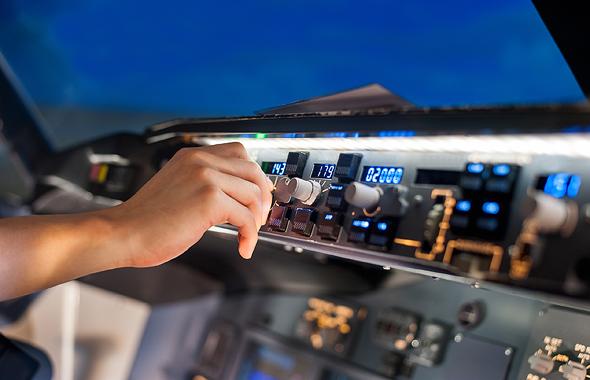 מערכת טייס אוטומטי של מטוס נוסעים