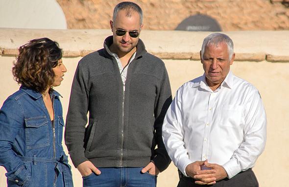הדר לוי עם אחיה ואביה במרוקו , צילום: באדיבות כאן 11 התאגיד