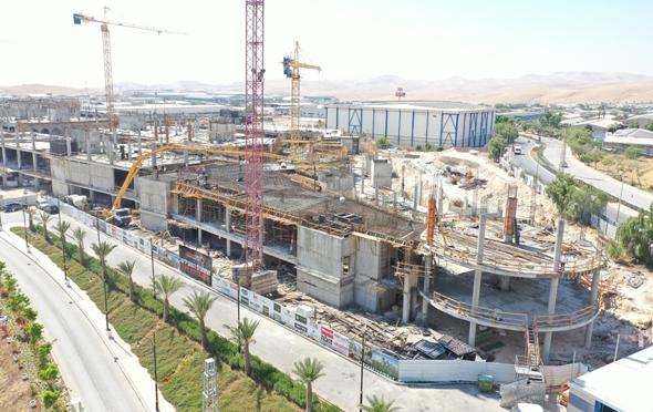 העבודות במתחם דיזיין סיטי. נבנה בהשקעת ענק של למעלה מחצי מיליארד שקל