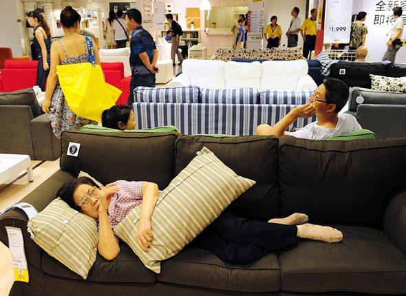 איקאה שנגחאי לישון ישנים סין אופיר דור, צילום: גטי אימג'ס
