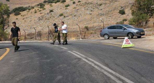 מחסום פתע שהוקם בדרך להר דב, צילום: ynet