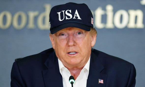 """נשיא ארה""""ב דונלד טראמפ ספטמבר 2019 הוריקן דוריאן, צילום: AP"""