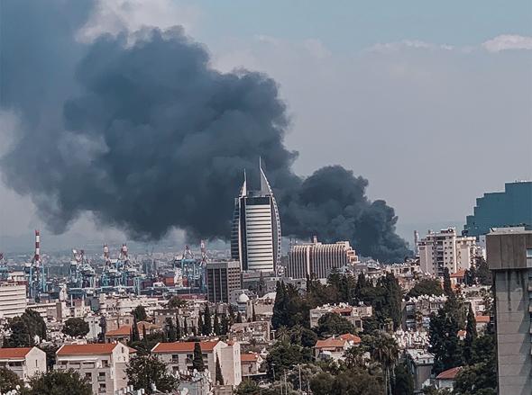 השריפה במחסן שמן בחיפה