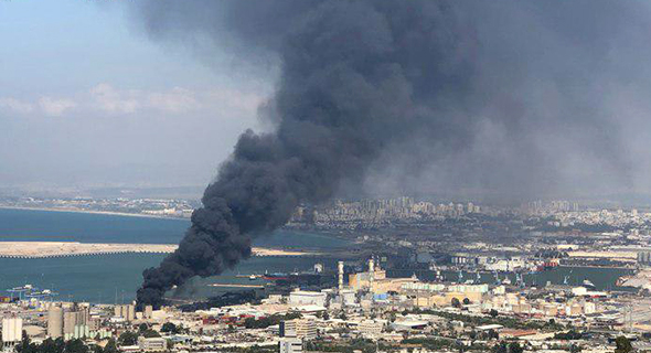 השריפה במחסן שמן תעשיות, צילום: אורי שאול