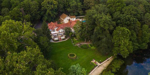 """האחוזה של אל קפונה מוצעת למכירה במחיר דירת 4 חדרים בת""""א"""