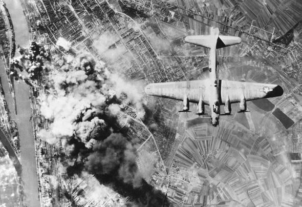 מטוס B17 שפגע במטרתו