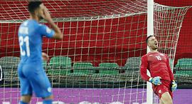אופיר מרציאנו בירם כיאל נבחרת ישראל מפסידה בחוץ ל סלובניה יורו 2020, צילום: איי פי