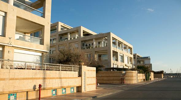 בניין דירות במרינה הרצליה , צילום: ענר גרין