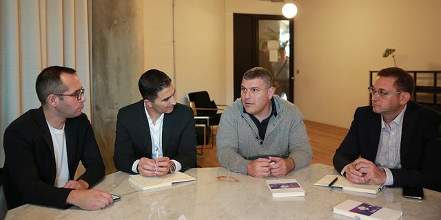 טדי שגיא נפגש עם נציגי החברות, צילום: אוראל כהן