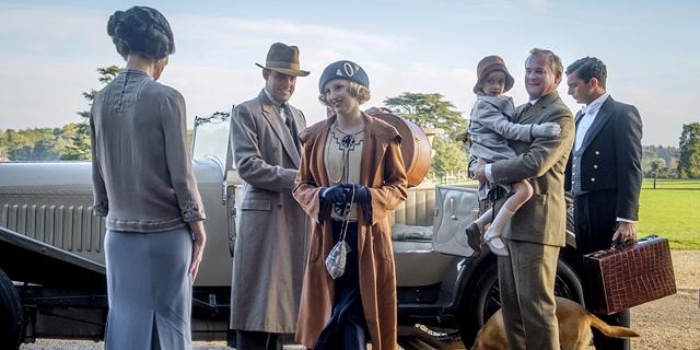 העיבוד החדש לסרט אחוזת דאונטון: פחות מחצי המלכות