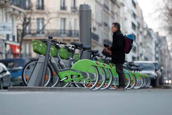 אופניים חשמליים של  Velib, צילום: רויטרס