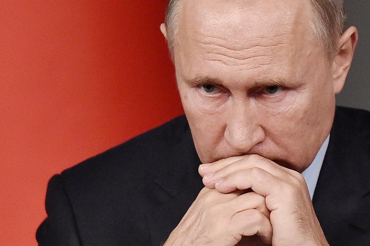 ולדימיר פוטין. ממתין עם הקרס