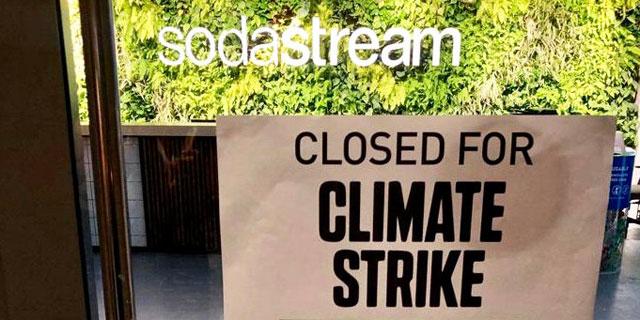 מחאת האקלים: סודהסטרים משביתה את מערך ההפצה