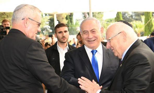 """הנשיא ראובן ריבלין עם ראש הממשלה בנימין נתניהו ו בני גנץ, צילום: עמוס גרשום, לע""""מ"""