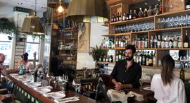 """מסעדה בתל אביב לפני הקורונה (ארכיון), צילום: יח""""צ"""