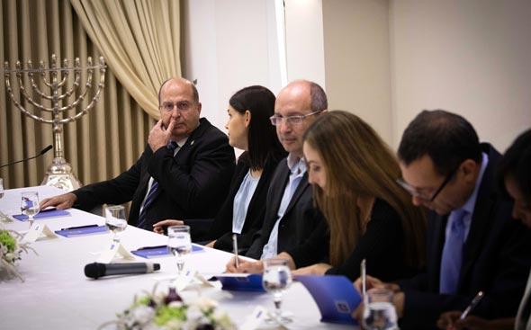 נציגי כחול לבן במפגש עם הנשיא ראובן ריבלין