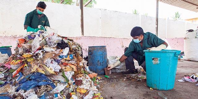 הודו תאסור שימוש בפלסטיק חד־פעמי, קוקה־קולה בכוננות