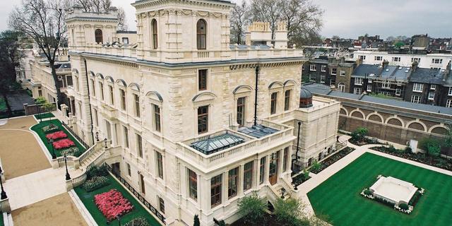 """הרחוב היקר ביותר בממלכה: """"שדרת המיליארדרים"""" בלונדון"""