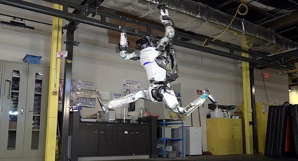 הרובוט אטלס בקפיצת שפגט מדויקת, צילום: Boston Dynamics
