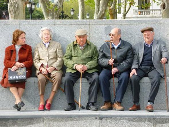 פנסיה זקנים זיקנה מדריד ספרד, צילום: דוד הכהן