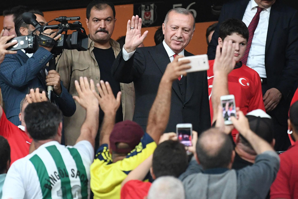 אוהדי כדורגל טורקים לקחו חלק בהפגנות נגד ארדואן, וב2019-  הציבו בראש עיריית איסטנבול את יריבו אקרם אימאמאולו