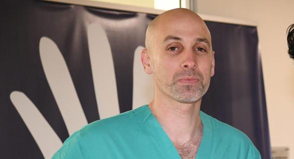 """יו""""ר פורום המתמחים ד""""ר ליאור אונגר. """"האוצר שוב מצא את הדרך העקומה להראות מי באמת מנהל את מערכת הבריאות"""""""