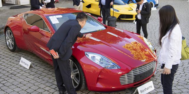 יד ראשונה מדיקטטור: אוסף מכוניות היוקרה של סגן נשיא גינאה המשוונית מוצע למכירה