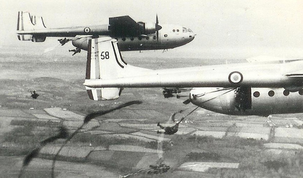 מטוסי נורד מצניחים כוחות בתרגיל צרפתי