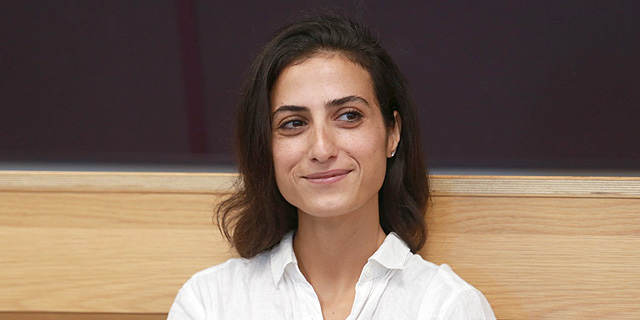 """הותר לפרסום: איילה כהן, סטודנטית בת 30, היא המקורבת ליו""""ר סודהסטרים החשודה בשימוש במידע פנים"""