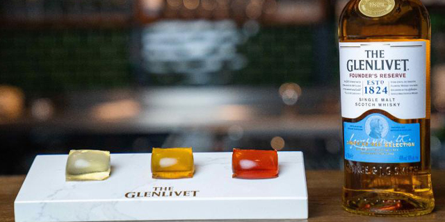 גלנליווט הסקוטית מציעה: קפסולות וויסקי - בלי צורך בכוס