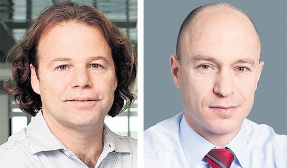 """מימין: מנכ""""ל כלל ביטוח יורם נוה ומנהל ההשקעות הראשי של כלל יוסי דורי, צילומים: עמית שעל, כלל ביטוח אלבטרוס"""