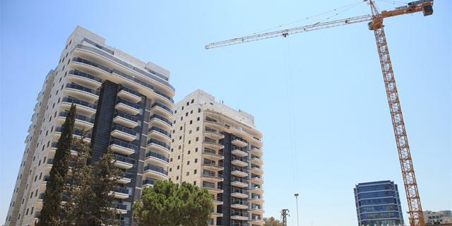 בנייה ב קרית אונו זירת הנדלן , צילום: אוראל כהן