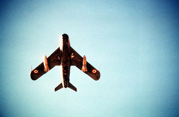 מיג 17 מצרי בדרכו למטרה, צילום: USAF